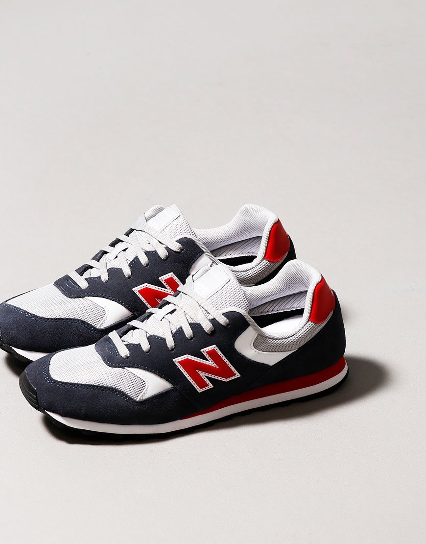 New Balance 393 Trainers Outerspace Red
