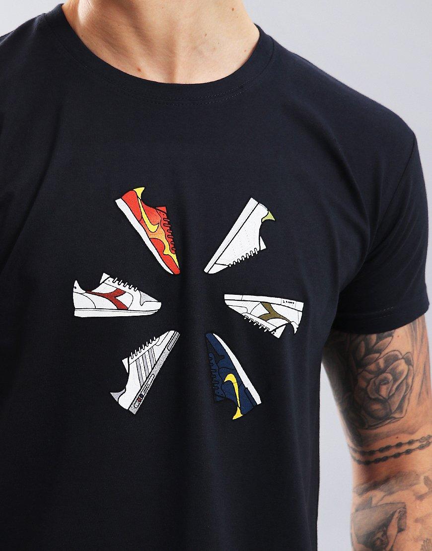 Eighties Casuals Trainer Wheel T-Shirt Navy