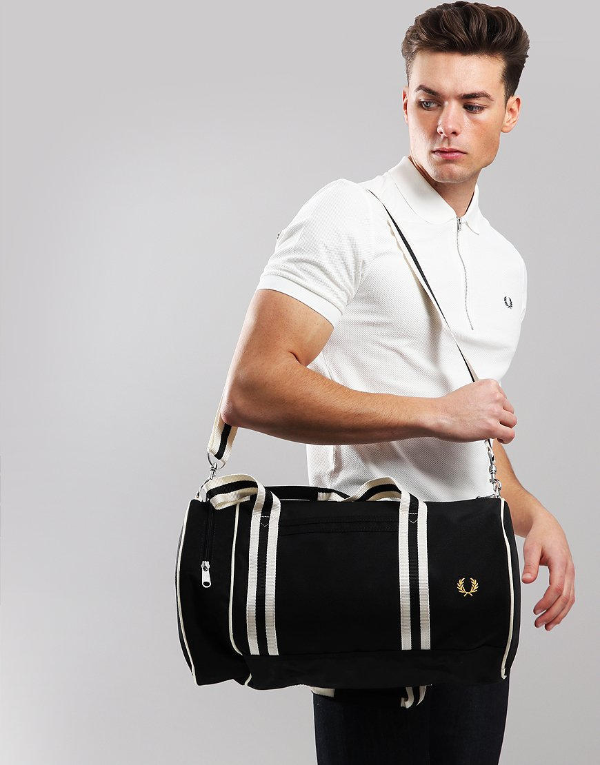 Fred Perry Tipped Barrel Bag Black