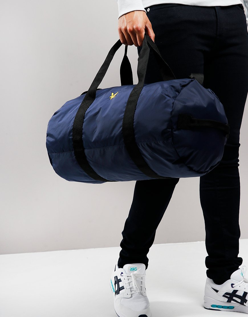 Lyle & Scott Lightweight Barrel Bag Navy
